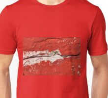 Old cracked wall background Unisex T-Shirt