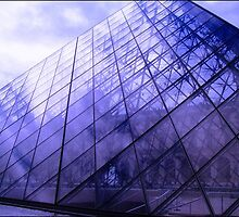 Glass Pyramid by Rebs O
