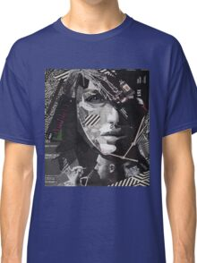 The moMEnt  Classic T-Shirt
