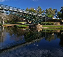 Uni Footbridge. by Aussiebluey