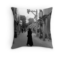street scene 4 Throw Pillow
