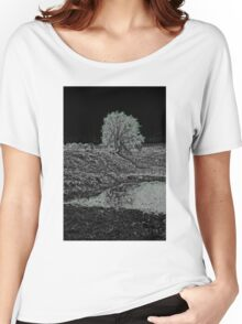 Avebury Pond Reflection B Women's Relaxed Fit T-Shirt