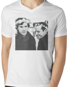 Sheriarty Mens V-Neck T-Shirt