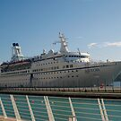 The cruise liner by Christian  Zammit