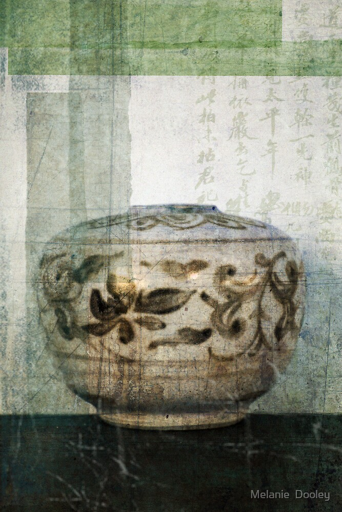 Chinese Pot by Melanie  Dooley