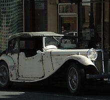 Old Car - Bendigo, Victoria by goodwisj