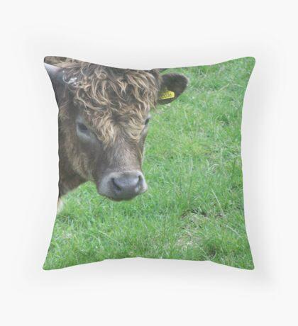 COW. Throw Pillow