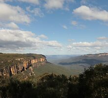 Wentworth Falls.  Blue Mountains, NSW by Mandy Gwan