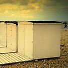 Il pleut sur la plage by Jean-Luc Rollier