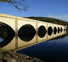 Ashopton Viaduct and Ladybower by Stephen Smith