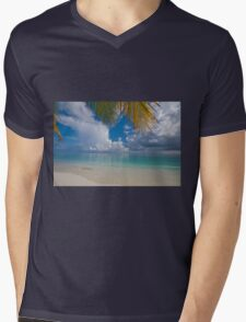 Postcard Perfection. Maldives Mens V-Neck T-Shirt