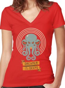 Cthulhu, Dreamer in the Deeps Women's Fitted V-Neck T-Shirt