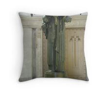 Hyde Park War Memorial Statue Throw Pillow