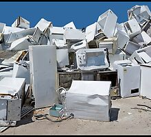 white trash by Alvin de Quincey