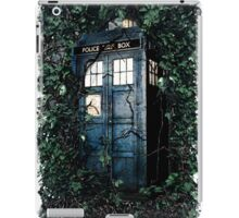 Police Box in The Garden Hoodie / T-shirt iPad Case/Skin