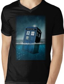 Blue Box in Water Hoodie / T-shirt Mens V-Neck T-Shirt