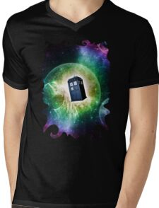 Universe Blue Box Tee The Doctor T-Shirt Mens V-Neck T-Shirt