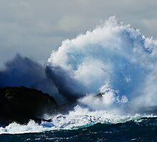Detonating Wave by Geoff  Coleman - Landscapes