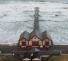 Saltburn Pier by Michael Stubbs