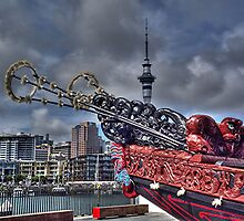 A Maori Waka  on display.........! by Roy  Massicks