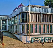 Branchburg Diner by louise reeves