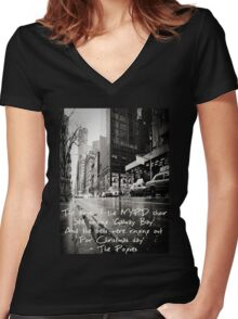 Fairytale of New York Women's Fitted V-Neck T-Shirt