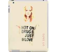 Tove lo - Pure design iPad Case/Skin