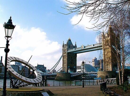 Tower Bridge, London by Andrew Dunwoody