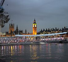 High tide on the Thames by powerball225