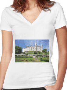 Dunrobin Castle Women's Fitted V-Neck T-Shirt