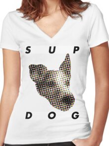 Pixel Pup Women's Fitted V-Neck T-Shirt