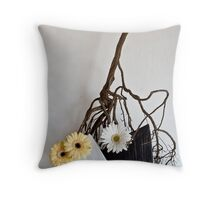 Ikebana-068 Throw Pillow