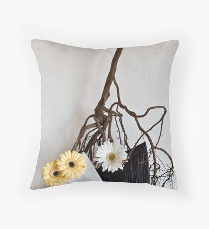 Ikebana-068 Throw Pillow