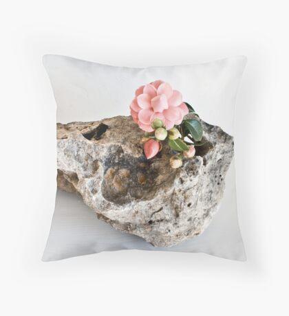 Ikebana-073 Throw Pillow