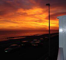 Sunsetting sea by Barbara Boot