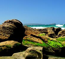 Beach Boulders by Jaroadie