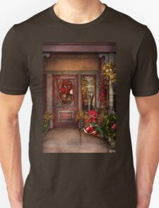 Winter - Store - Metuchen, NJ - Dressed for the holidays T-Shirt