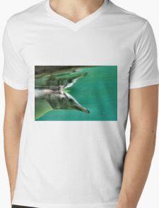 "The Penguin  (3) - Fantastic underwater photo of a penguin in ""flight"" Mens V-Neck T-Shirt"