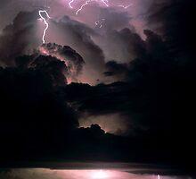 Darwin Lightning by Ern Mainka