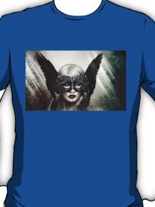 Zoe Harlotta - Queen of Birds 1 T-Shirt