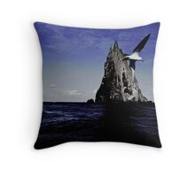 The bird, the sea and the pyramid Throw Pillow
