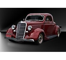 1935 Ford Deluxe Coupe 'Studio' Photographic Print