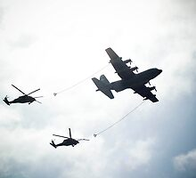 UH-60 refueling exhibition. by Mark Weaver