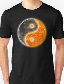Yin Yang Like the Sun and Moon  T-Shirt