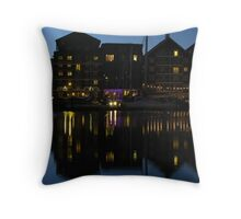 Night time at the Salthouse Hotel, Ipswich Throw Pillow