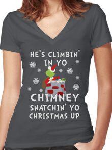 He's Snatchin' up yo Christmas Women's Fitted V-Neck T-Shirt