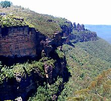 A view of the Three Sisters and Katoomba Falls from the Furber Stairs. by GeorgeOne