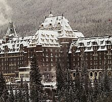 Banff Springs Hotel by Simon Hodgson