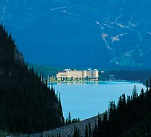 Chateau Lake Louise by Simon Hodgson