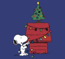 Christmas Snoopy  by gaberje